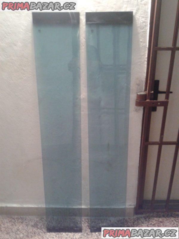 Dva kusy skel CCC -bezpečnostní sklo