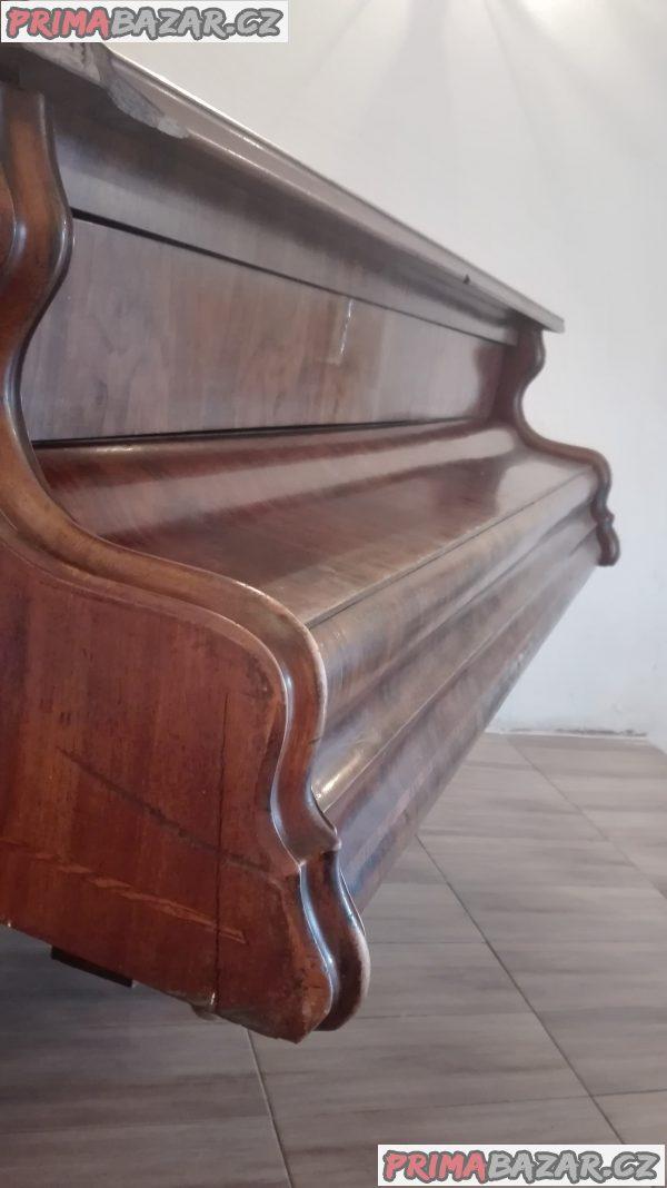 Starožitné piáno - křídlo