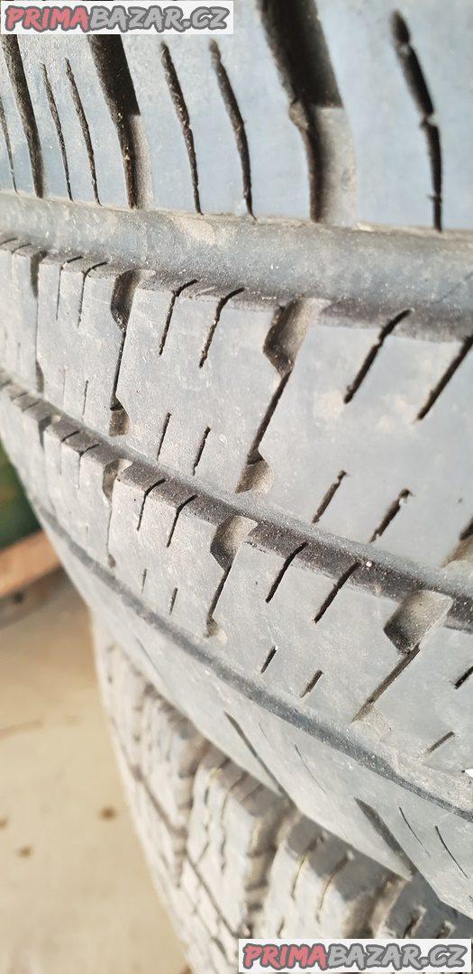 prodám plechové disky 6x139.7 5jx14 pneu 185 r14C 102/100Q