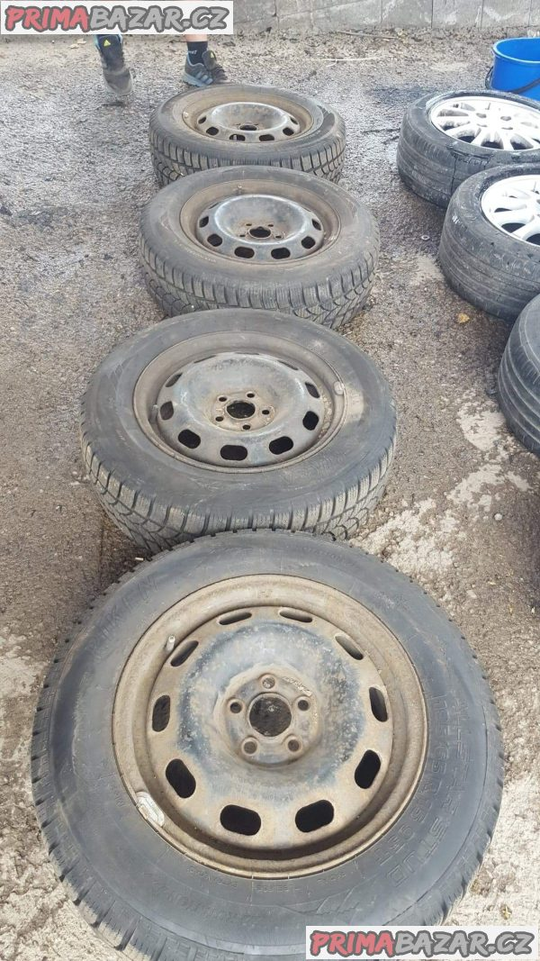 4x plechové disky s pneu 80-90% vzorek 5x100 6jx15 et38