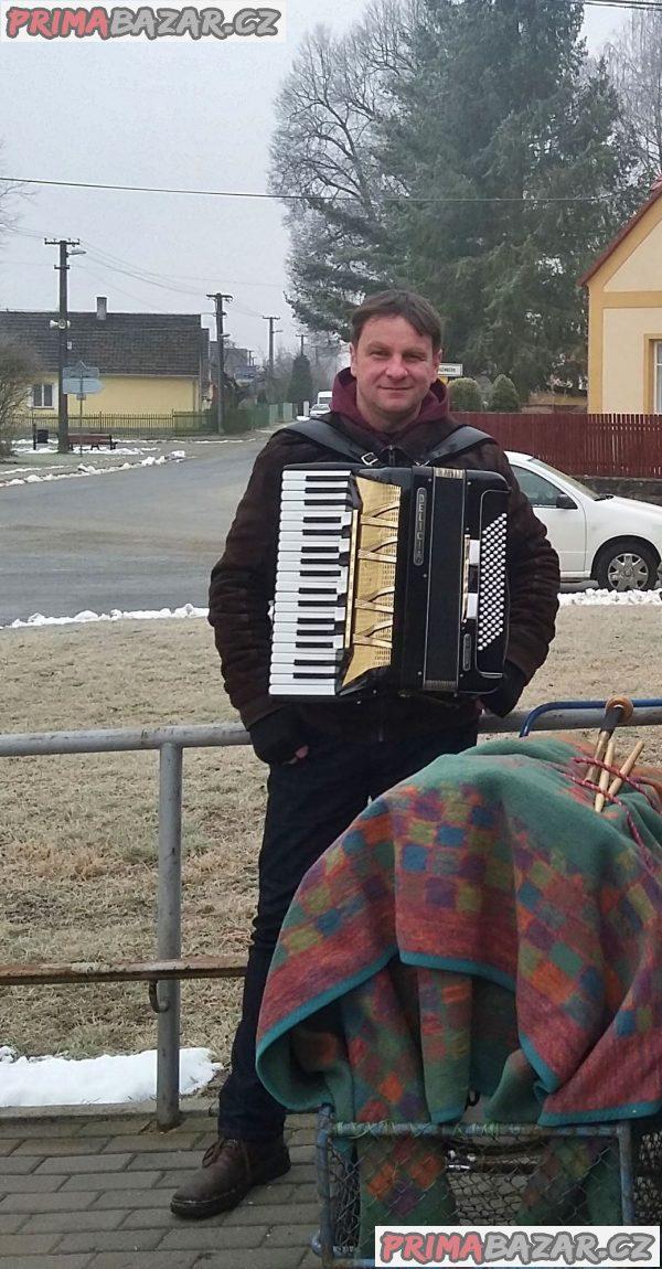 Harmonikář zahraje na Vaší akci