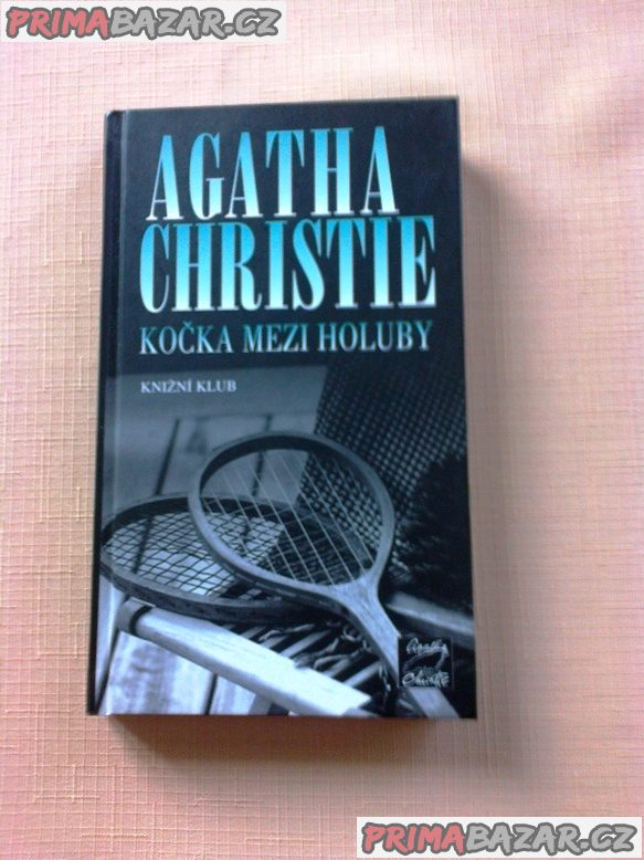 Christie A. - KOČKA MEZI HOLUBY -