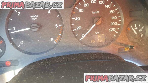 prodám auto Škoda Octavia Combi 2.0i 85k