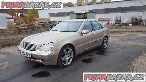 prodám auto na náhradní díly Mercedes C240