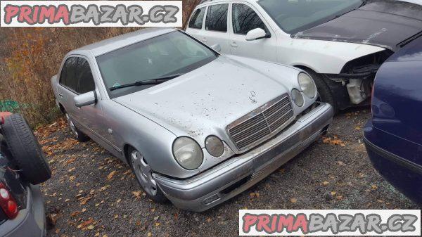 prodám náhradní díly z tohoto vozu Mercedes E 200