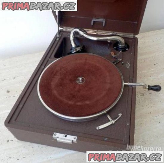 Kdo daruje nebo levně prodá sběrateli gramodesky a gramofon na kliku, Brno