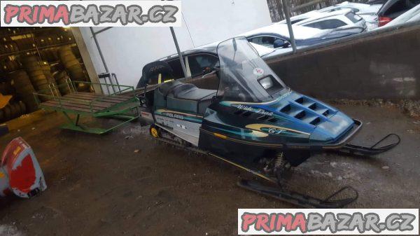 Snezny skutr Polaris Indy Widetrak GT 50