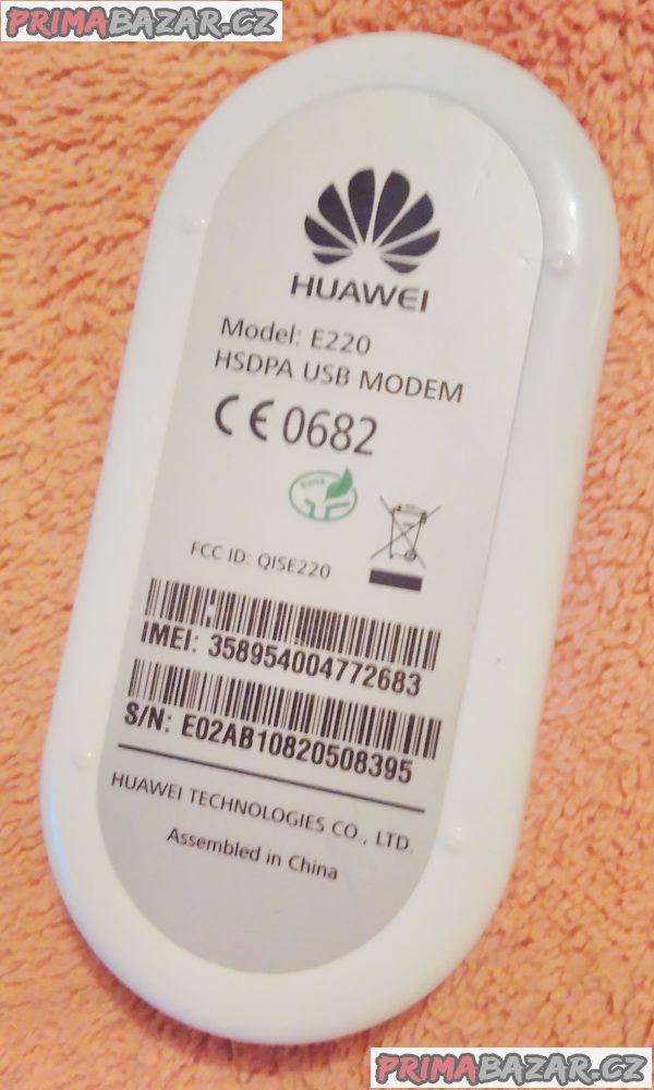 Externí USB modem Huawei E220 - pro bezdrátový internet - jako nový.