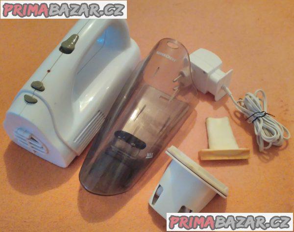 Ruční vysavač SilverCrest s akumulátorem.