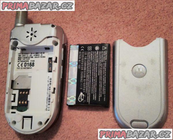 Výklopná Motorola V180 - k opravě nebo na náhradní díly!!!