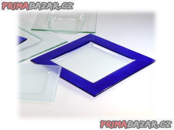 Čtvercové talíře sklo