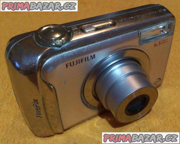 Digitální foťák a kamera Fujifilm FinePix A610 - k opravě nebo na náhradní díly!!!