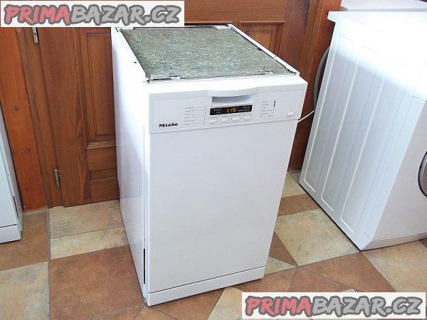 Myčka nádobí vestavná MIELE G 1202 SC tři mycí koše