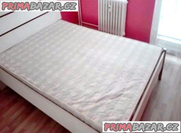 Prodám pěknou matraci na dvoulůžko.