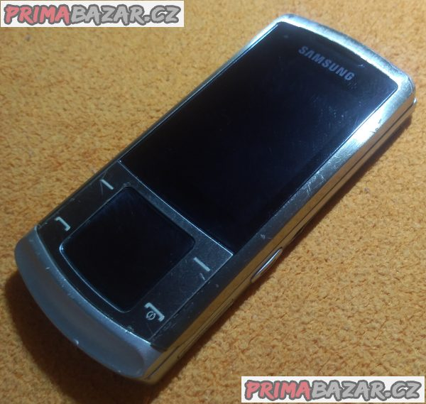 Výsuvný Samsung SGH-U900 - k opravě nebo na náhradní díly!!!