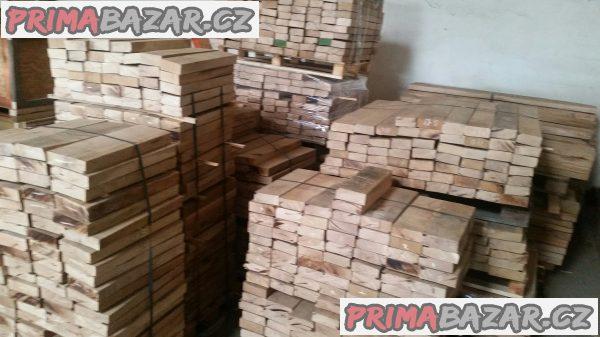 Nabízím omítané dubové řezivo skladem v Praze 9.