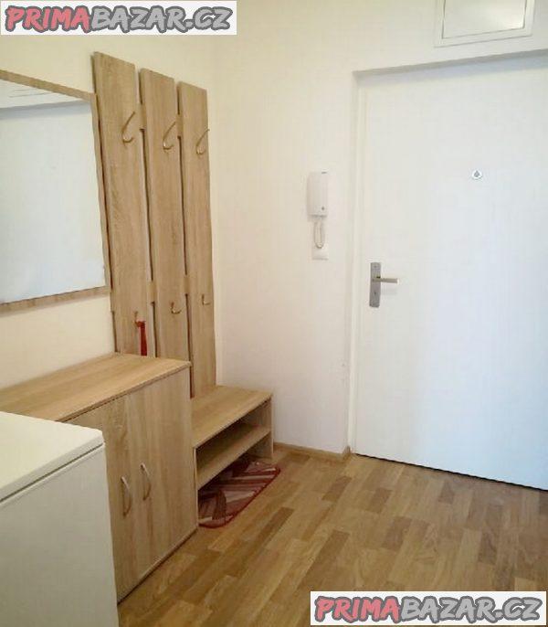 Pronájem  novostavby 2+kk ve Slavkově u Brna. Bez Rk.