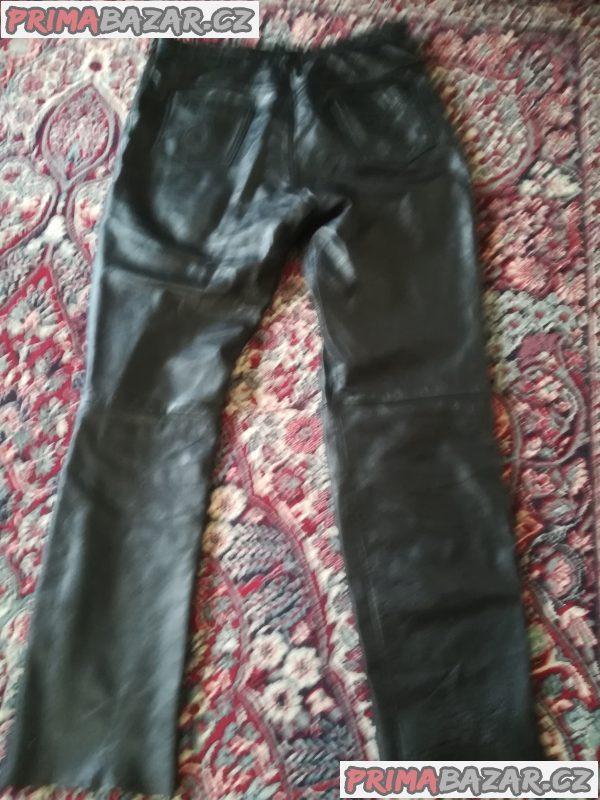 Kožený křivák a kalhoty