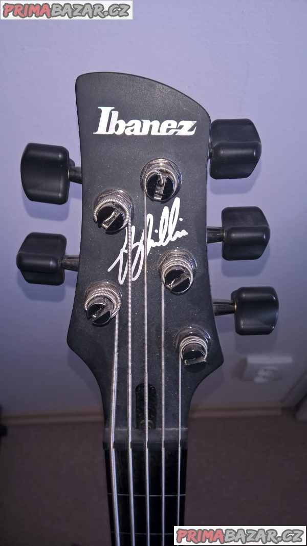 baskytara Ibanez