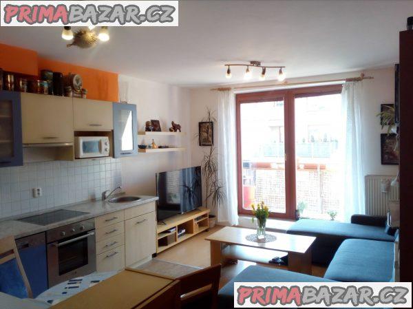 Byt 3+kk 57 m2 s lodží a parkováním, Rudná u Prahy