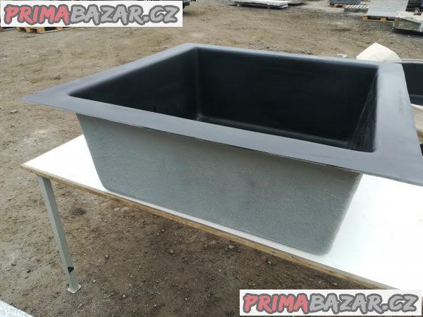 Čtvercová sklolaminátová nádoba 150 x 150cm H-45 cm + Víko na laminátovou fontánovou nádrž 150x150cm 500kg Doprava zdarma na území ČR