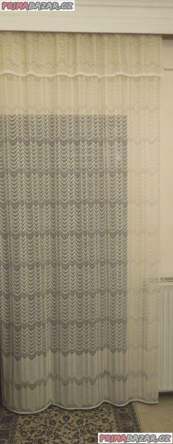 Záclona exkluzivní s volánem v.265 x š.185 cm + 40 háčků