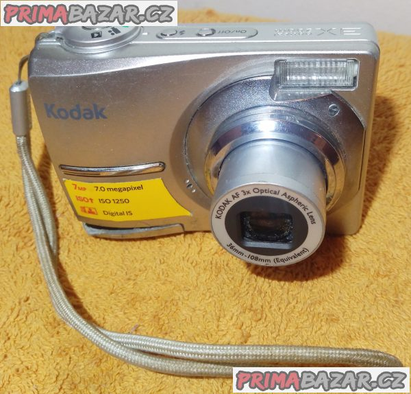 Digitální foťák Kodak EasyShare C713 - má 2 nedostatky.