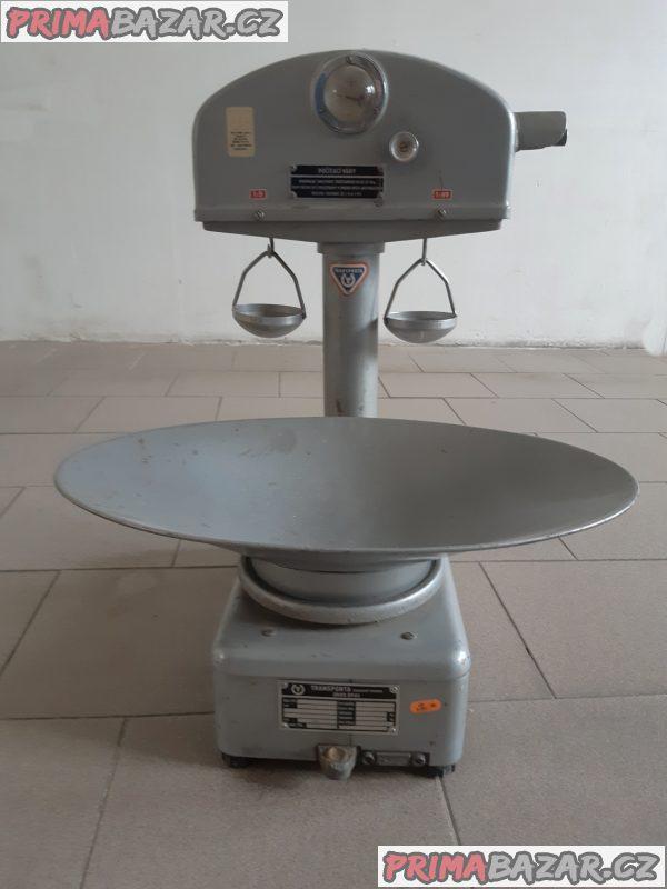 Počítací váhy.