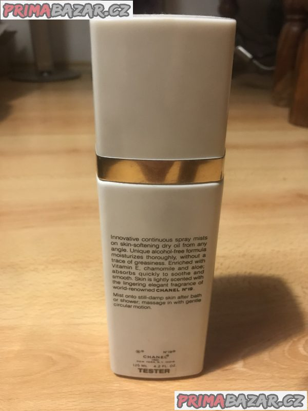 Velice vzácný CHANEL Body Satin Spray.