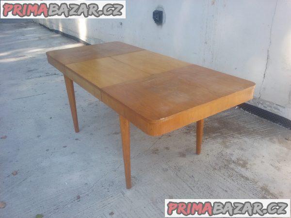 Dřevěný velký rozkládací stůl