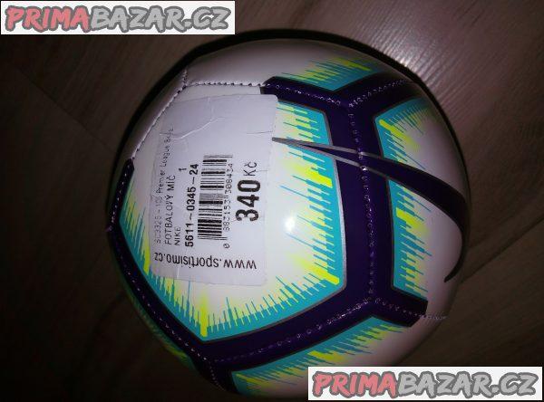 Nový míč Nike