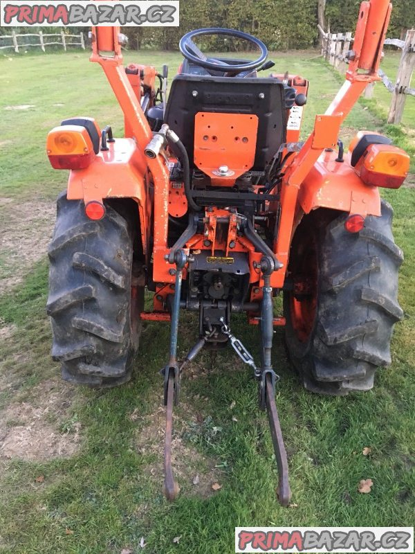 Traktor Kubota B50 HST 17 + čelní nakladač