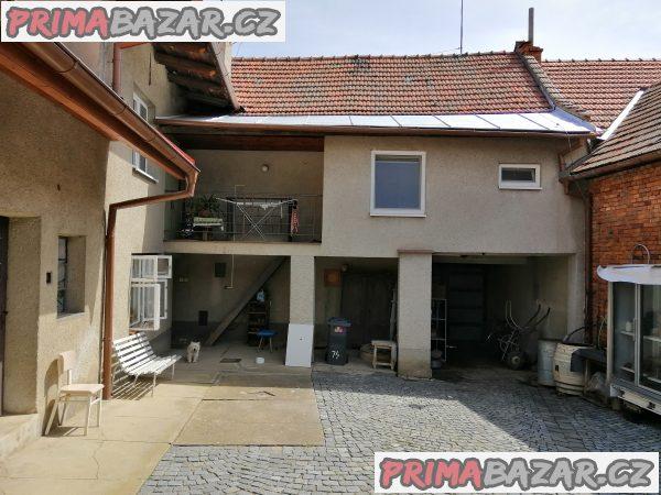 Prodej řadového rodinného domu s garáží a zahradou Otaslavice
