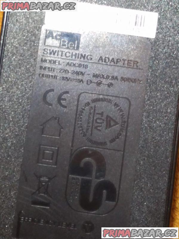Originální adaptér k UPC Horizon.