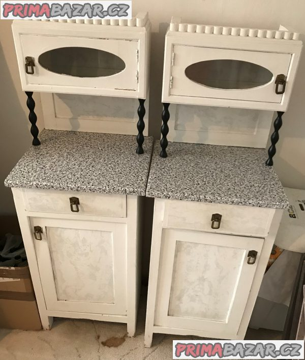 Starožitné skříně + noční stolky