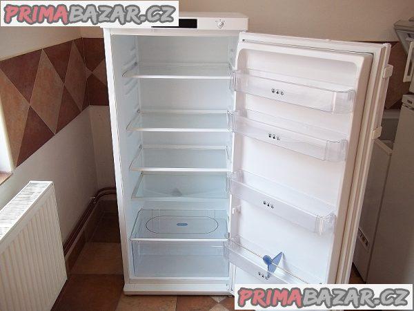 Chladnice bez mrazáčku WHIRLPOOL 278 litrů