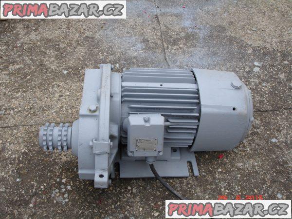 prodej motoru s převodovkou ze stavebního vrátku EV 300
