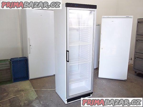 Prosklená lednice chladnice vitrína DERBY