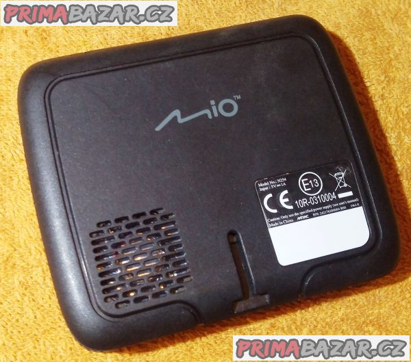 Navigace Mio Moov M300 - vč. nabíječky a USB!!!