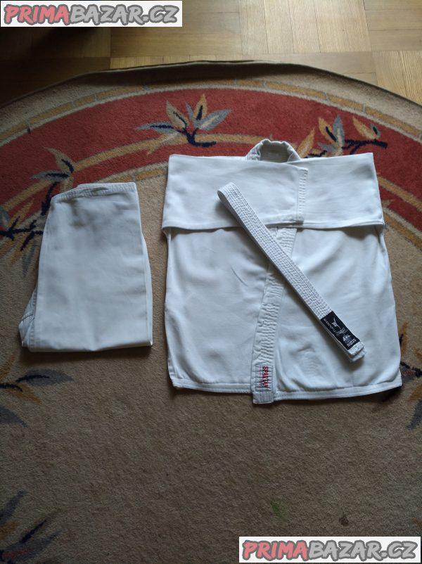 Kimono + bílý pásek na karate