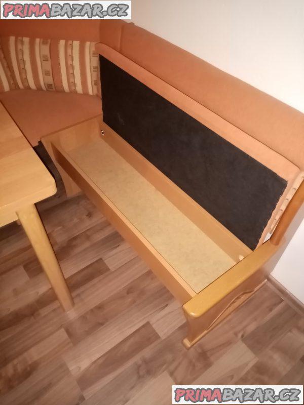 Rohová lavice židle a stůl