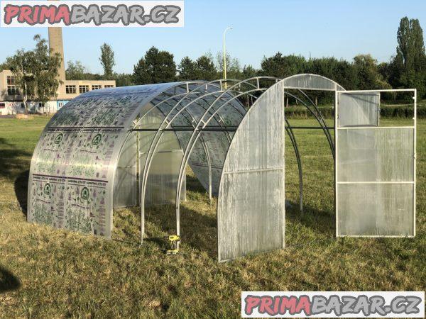 Polykarbonátový skleník TITAN
