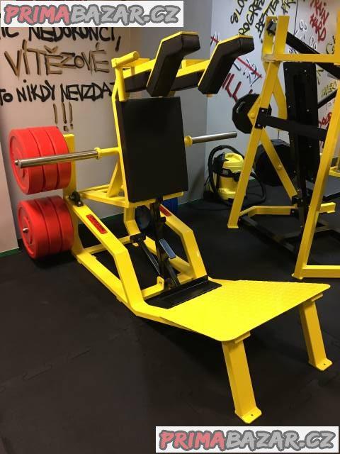 V squat machine