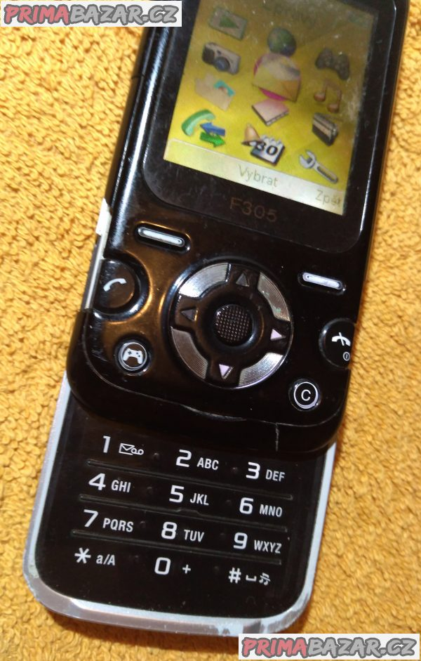 Vysouvací Sony Ericsson F305 + 3 DÁRKY!!!