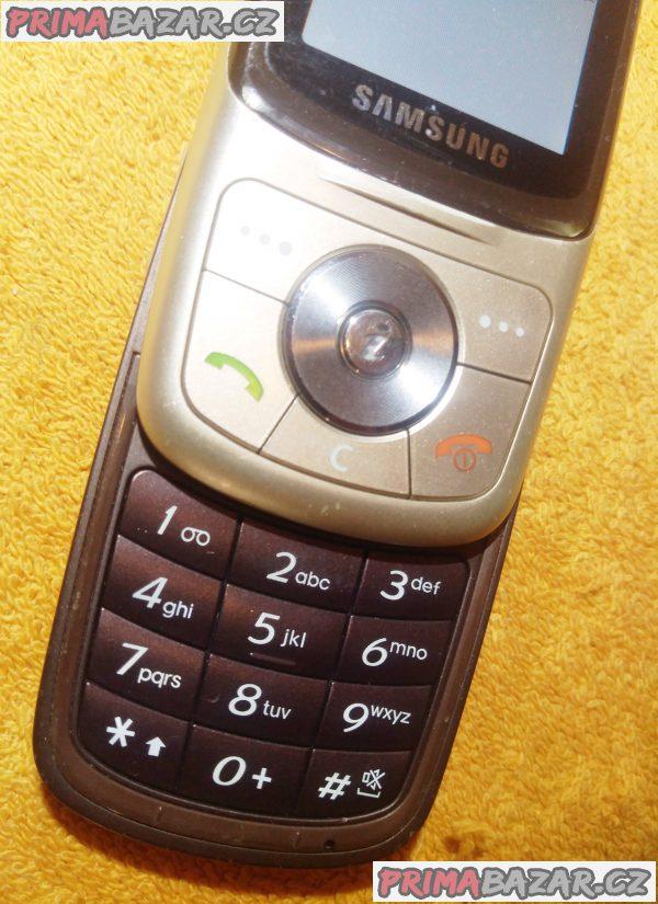 Výsuvný Samsung SGH-X530 - funkční s vadným displejem!!!