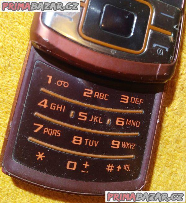 Samsung C3050 - na náhradní díly nebo k opravě!!!