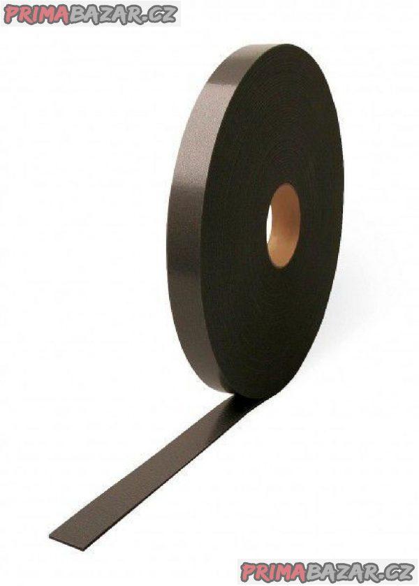 PE pěnová těsnící páska 30 x 3 mm, samolepící.