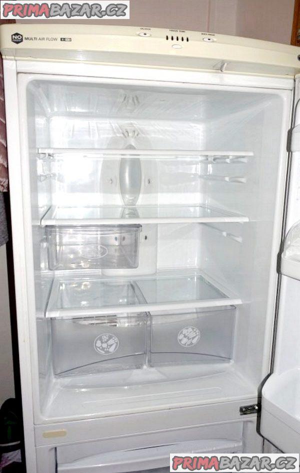 Prodám kombinovanou lednici s mrazákem.