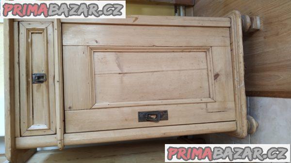 Starožitná skříňka