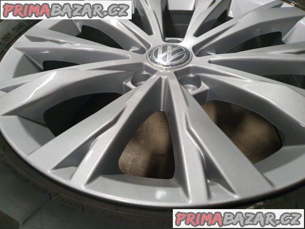 orig. Volkswagen Montana Tiguan 5x112 7x17 et40 letni 99%
